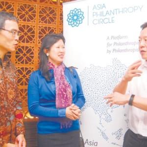 20161119_Analisa<br/><h6>Filantropi Asia Berdiri di...</h6>